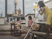 Barn saknar bostäder och skolor ett år efter tyfonen Haiyan