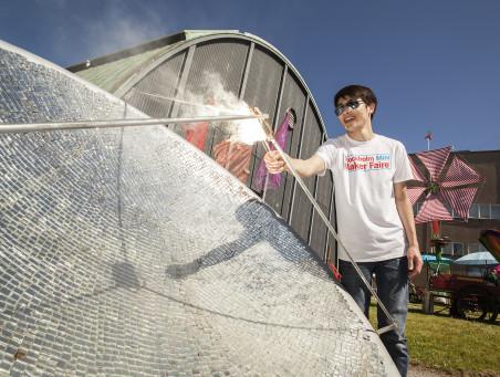 Konst, teknik, design och musik möts på maker-festival