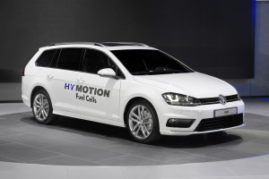 ​Verdenspremiere - Golf Variant HyMotion