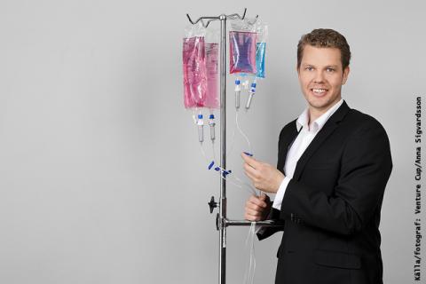 """Micael från Halmstad vann titeln """"Västsveriges nästa tillväxtföretag"""" med sin felsäkra ventil för cancerbehandling"""