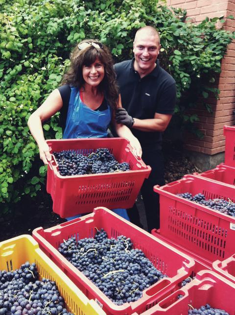 10 ton druvor från Toscana anländer till Lidingö