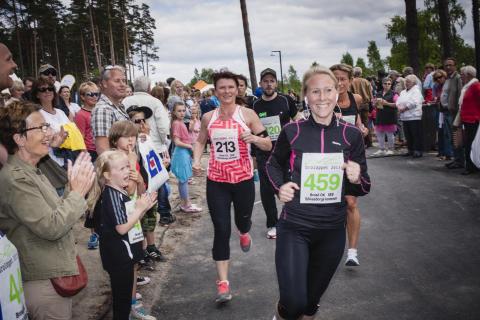 Folkfest när Sölvesborgsbron invigdes och firades