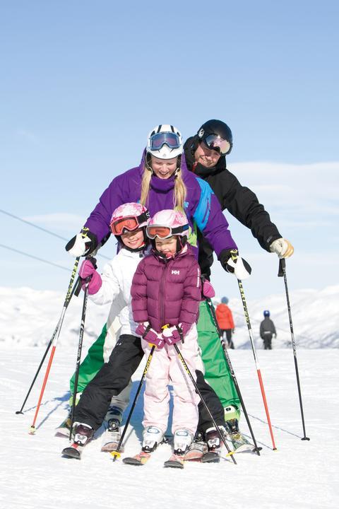 SkiStar AB: Årets påsk lockar 48% fler gäster. Vårskidåkning och evenemang drar.