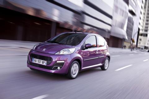 Peugeots rappe 107 er Danmarks mest solgte bil