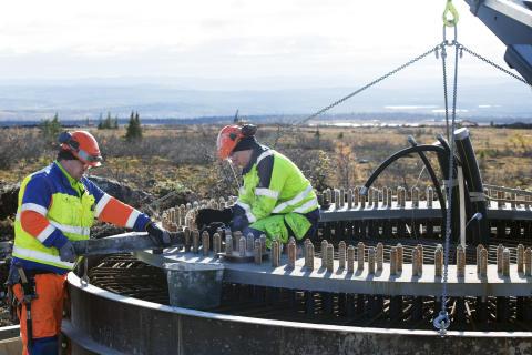 Anläggning av fundament för vindkraftverk på berget Blaiken