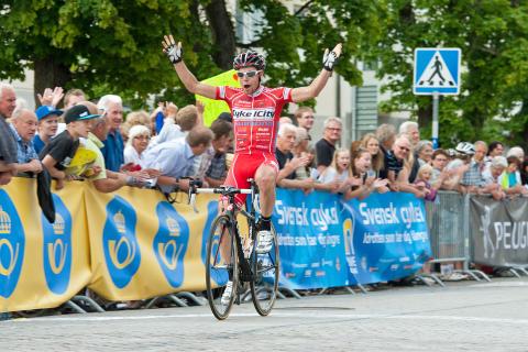 SM-guld till Jonas Bjelkmark, CK Cykelcity.se vid Kortbane-SM i Tidaholm