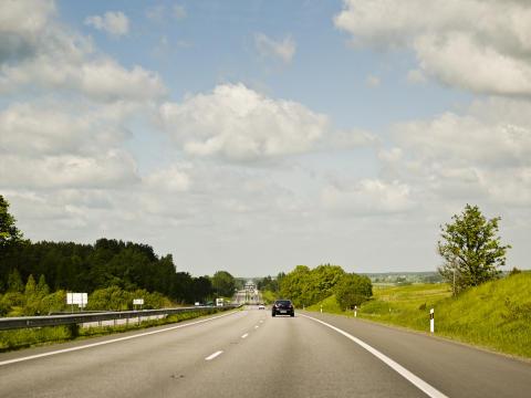 Bilkörningen minskar för tredje året i rad