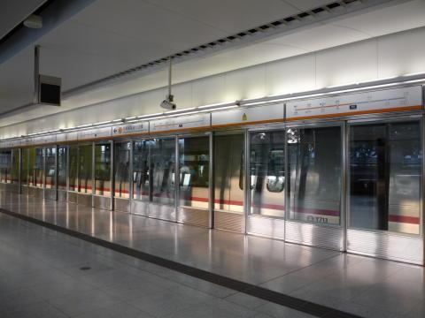 MTR Stockholm positiva till plattformsväggar i tunnelbanan