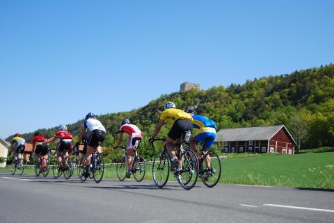 220 mil på cykel för hjärnans bästa
