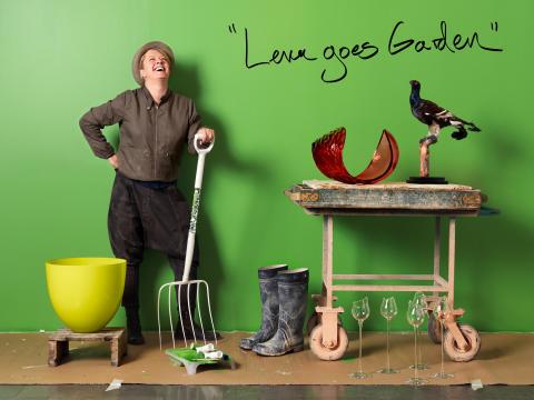 "Inför Glaskonst 2012: Pressvisning i Orrefors ""Lena goes Garden"""
