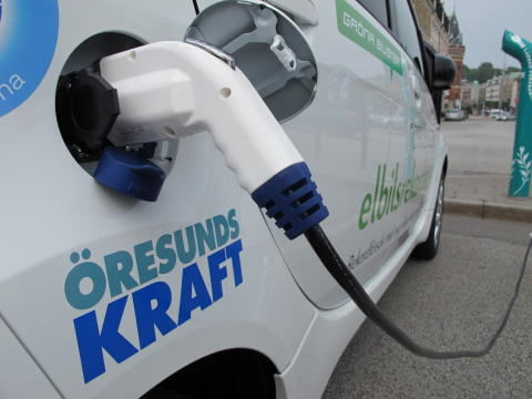 Solelsbilar - så klipper vi slangen till bensinpumpen