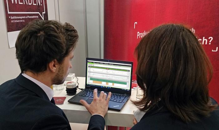 Vorführung des Energiemanagementsystems cccEPVI auf E-world