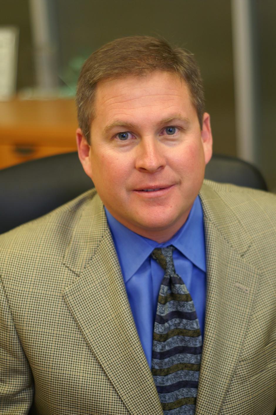 <b>Greg Gilmore</b>, CEO - kklxusfbeerjogiisou3