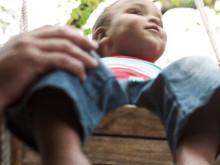Barns lycka ligger i vuxnas händer