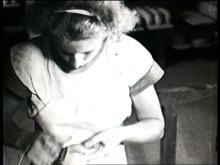 En liten film om s.k. stegformning på Gustavsbergs Porslinsfabrik