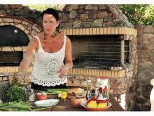 Matlagning med Fontana: Åse Falkman Fredrikson (Kalkonburgare med fetaost och citronsallad)