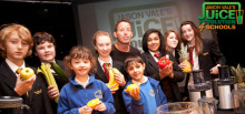 Jason launches Juicing For Schools programme