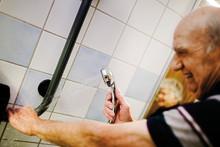 Smarta lösningar ger tryggare badrum