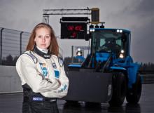 Hastighetsrekord av Karin Olsson – nu är hon världens snabbaste hjullastarförare