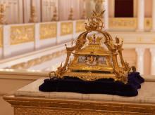 Prinsen av Wales og Hertuginnen av Cornwall besøker kongelig utstilling på Nasjonalmuseet
