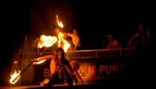 New faces, drugor och brinnande burlesque i Pride Park