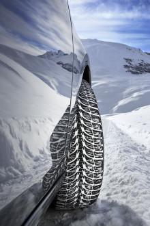 Goodyearin UltraGrip Ice+ -talvirenkaalle huippuarviot pohjoismaisilta kuljettajilta