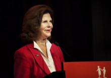 H.M. Queen Silvia and the Minister for Culture opened international conference on children's culture