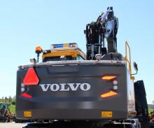 Swecon erbjuder ny motviktsbåge från MittX till Volvo grävmaskiner