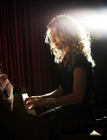 Pernilla Andersson  på trioturné med ny liveplatta i Mars