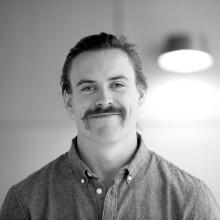 Alexander Janson är anställd som ljuskonsult