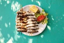 Tapas och grillad färsk fisk favoriter på solsemestern
