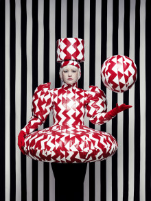 Pressvisning av utställningen Staged Fashion
