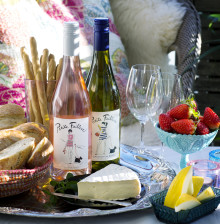 Moderiktig rosé inspirerad av St Tropez - Petite Faiblesse Rosé lanseras i Sverige