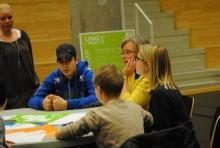 Pressinbjudan: Elever i Väsby diskuterar trygghet på demokratiforum