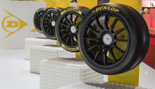 Dunlop skal skabe større variation i motorsporten og præsenterer nu hele 4 BTCC-racerdæk i Genève