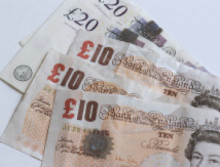 Lifestyle of 'zero income' smuggler revealed