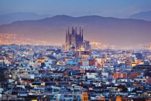Barcelona lokker danskerne i sommer