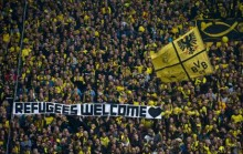 Fotboll: Klubbar och supportrar hälsar flyktingar välkomna