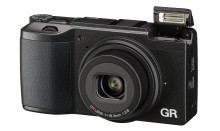 Ricoh GR II - Uusi versio suositusta katukuvauskamerasta!