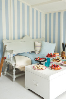 FESTIVAL STRIPES - A NEW COLLECTION OF CLASSIC AND CONTEMPORARY STRIPE DESIGNS