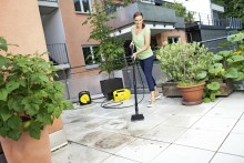 Vårklar uteplass med Kärcher Balcony Cleaner!