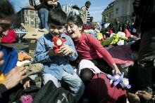 Give me five - Dalarna hjälper människor på flykt