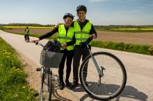 Europa runt på enhjuling för Friends