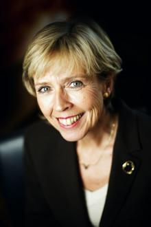Helseministeren åpner verdenskongress for hørselshemmede
