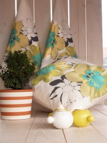 Vårnyheter från Boråsföretaget rotor: Nytt blommönster i två färgställningar för handduk och kuddvar