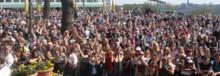 Friends uppmanar Sverige att ta ställning mot mobbning den 3 maj