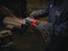 Milwaukee M18 FUEL™ lanserer den første batteridrevne vinkelsliper med motorbrems
