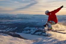 Snöbrist i södra Sverige ger Jämtland Härjedalen en flygande start på vintersäsongen
