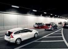 Volvo Cars säkerhetsteknik som är standard i alla modeller minskar olycksfrekvensen med 28 procent