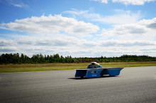 Sveriges första solbil skeppas iväg till VM